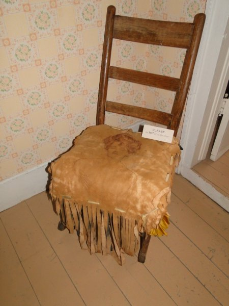Chair-leather-pillow